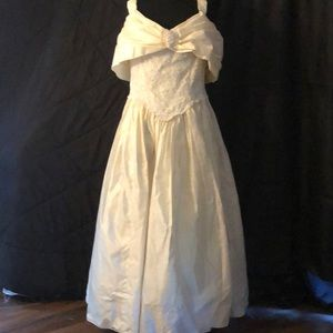 Finely made vintage wedding dress from heiress